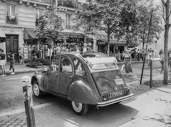 2cv-in-Frankreich-Paris